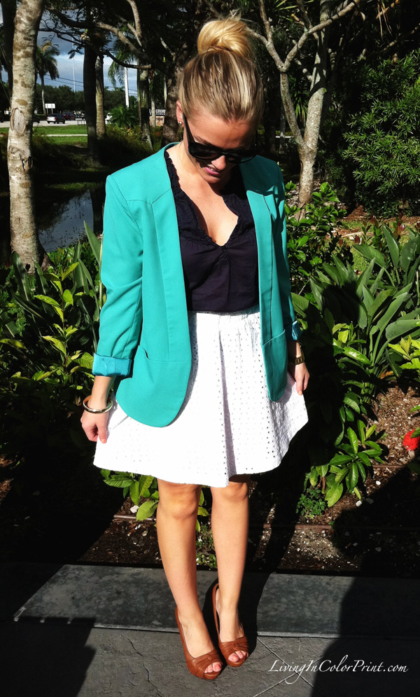 White, navy, mint blogger outfit