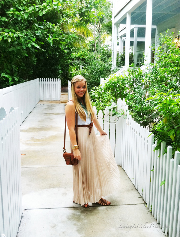 beige maxi skirt blogger outfit, day maxi skirt look