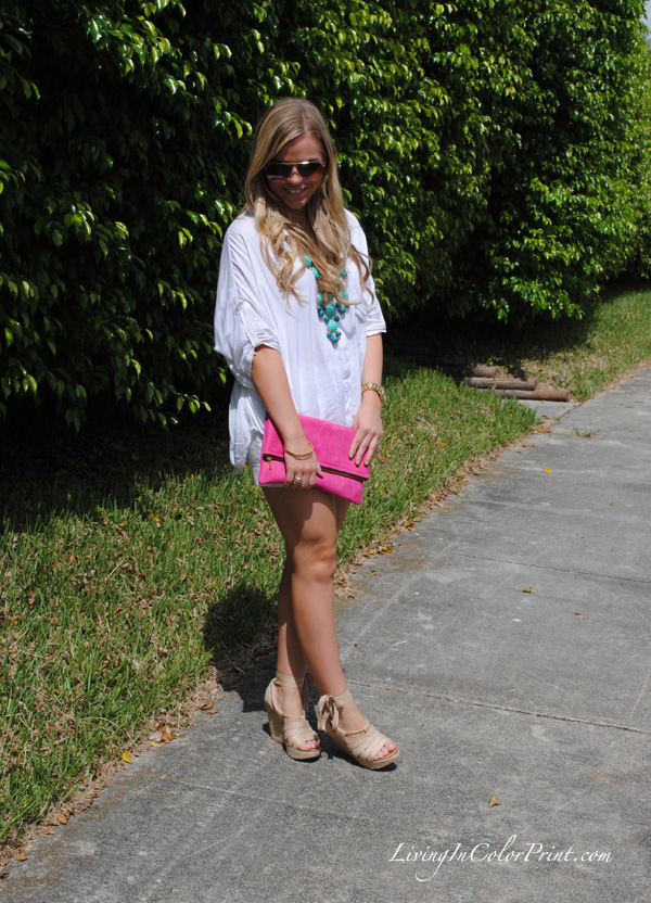 white on white blogger ootd, outfit of the day, hot pink suede clutch