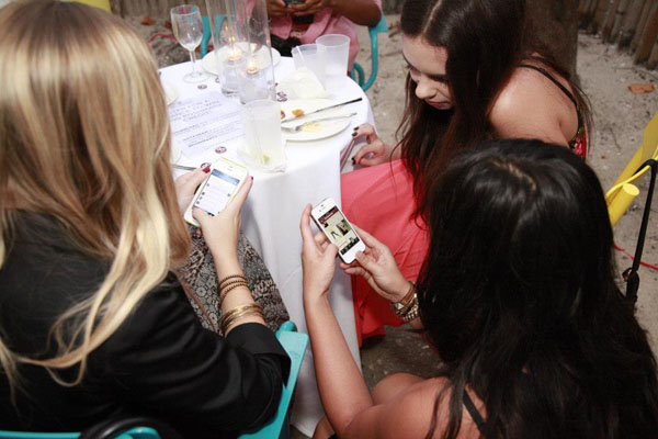 Poshmark in Miami, bloggers in Miami, fashion bloggers busy