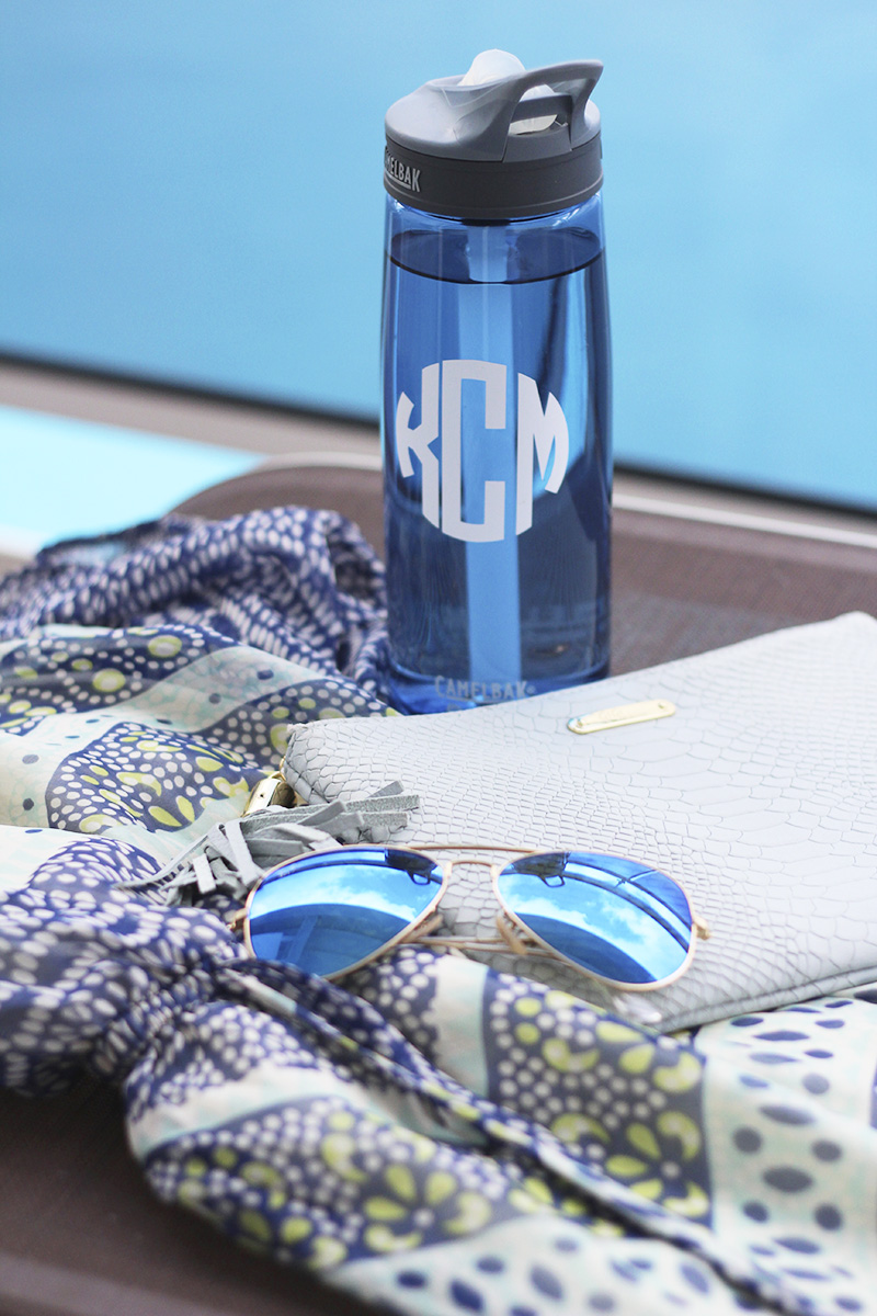 blue-poolside-outfit-accessories