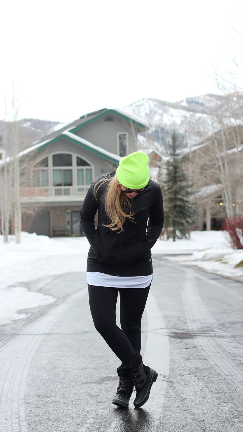 express-black-workout-outfit-neon-beanie