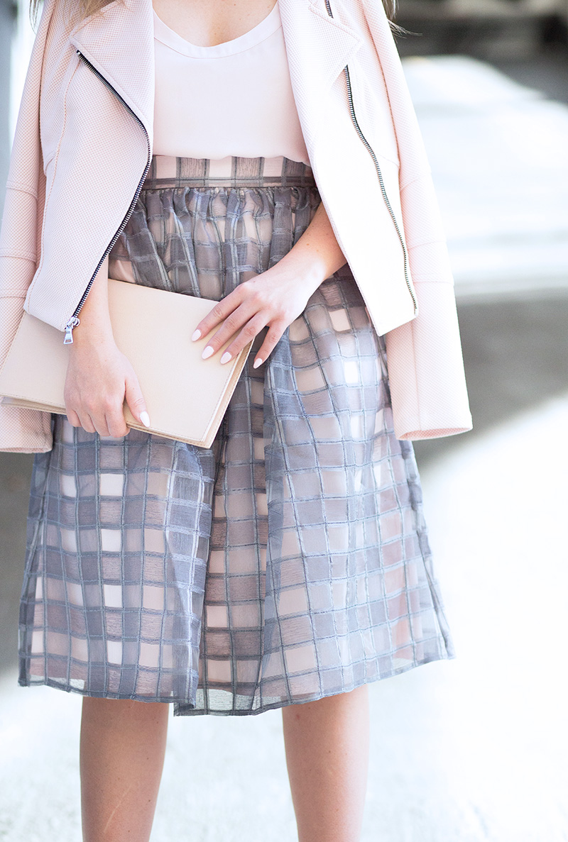 grey-and-blush-pink-outfit