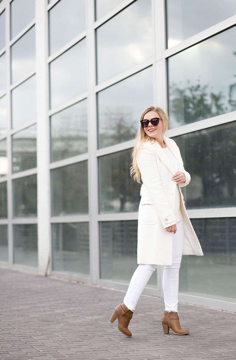 mixing-ivory-and-white-outfit