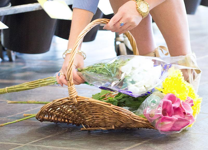 floral-shop-flower-shopping