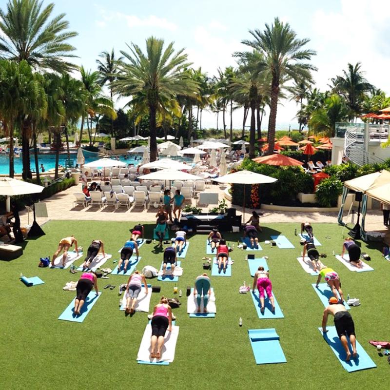 yoga-escape-day-with-hawaiian-tropic