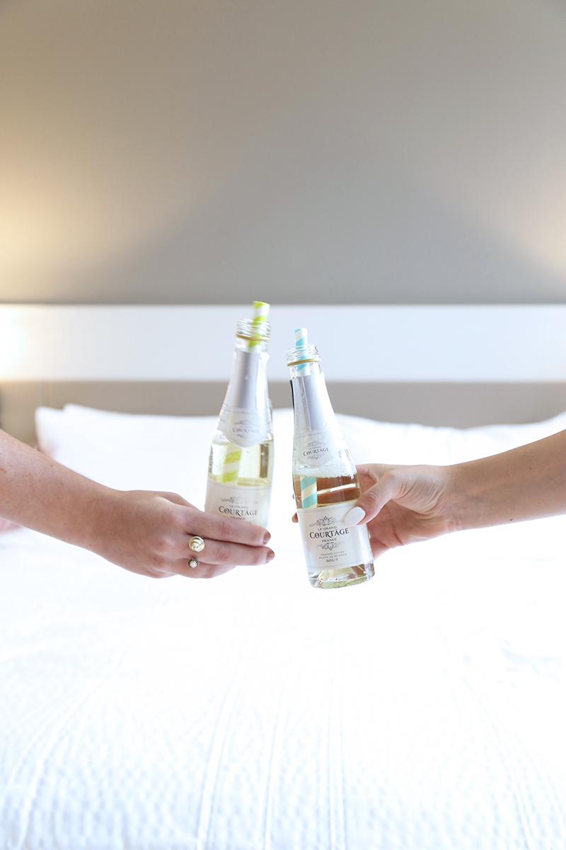 champagne-cheers-toast