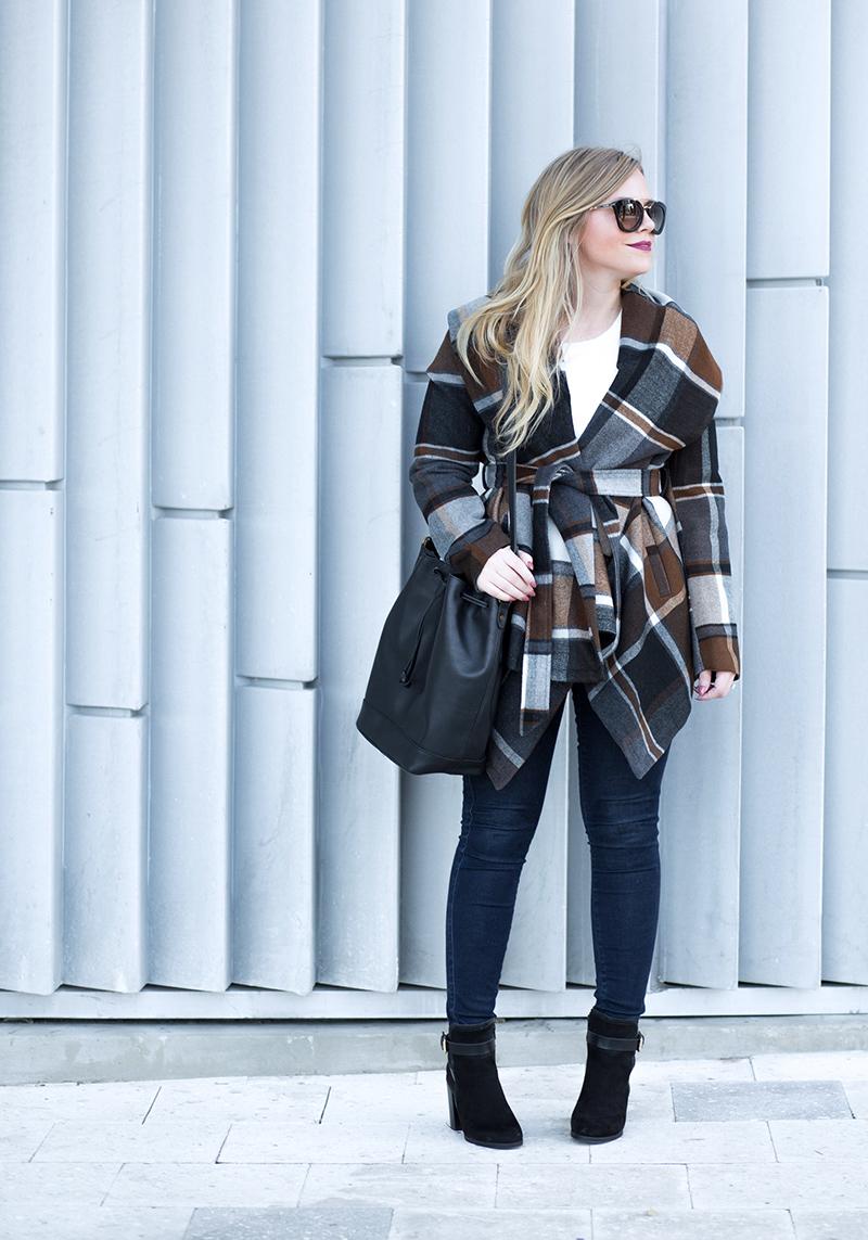 autumn colored checkered coat