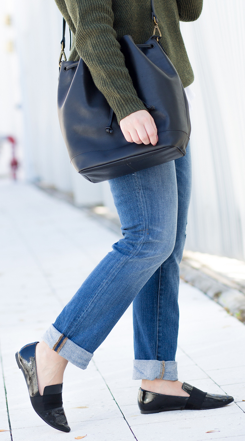 tomgirl outfit, olive green oversized sweater
