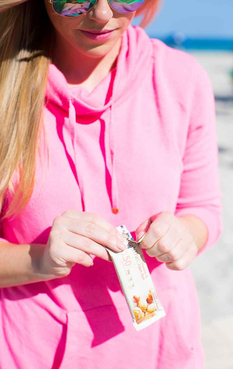 lilly pulitzer workout gear on the beach, thinkThin protein bar review
