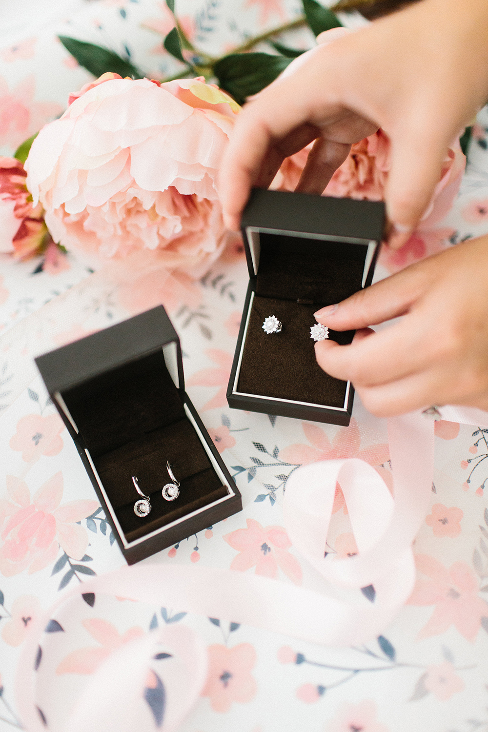 Wedding Wednesday | Gifts for Mom of the Big Day