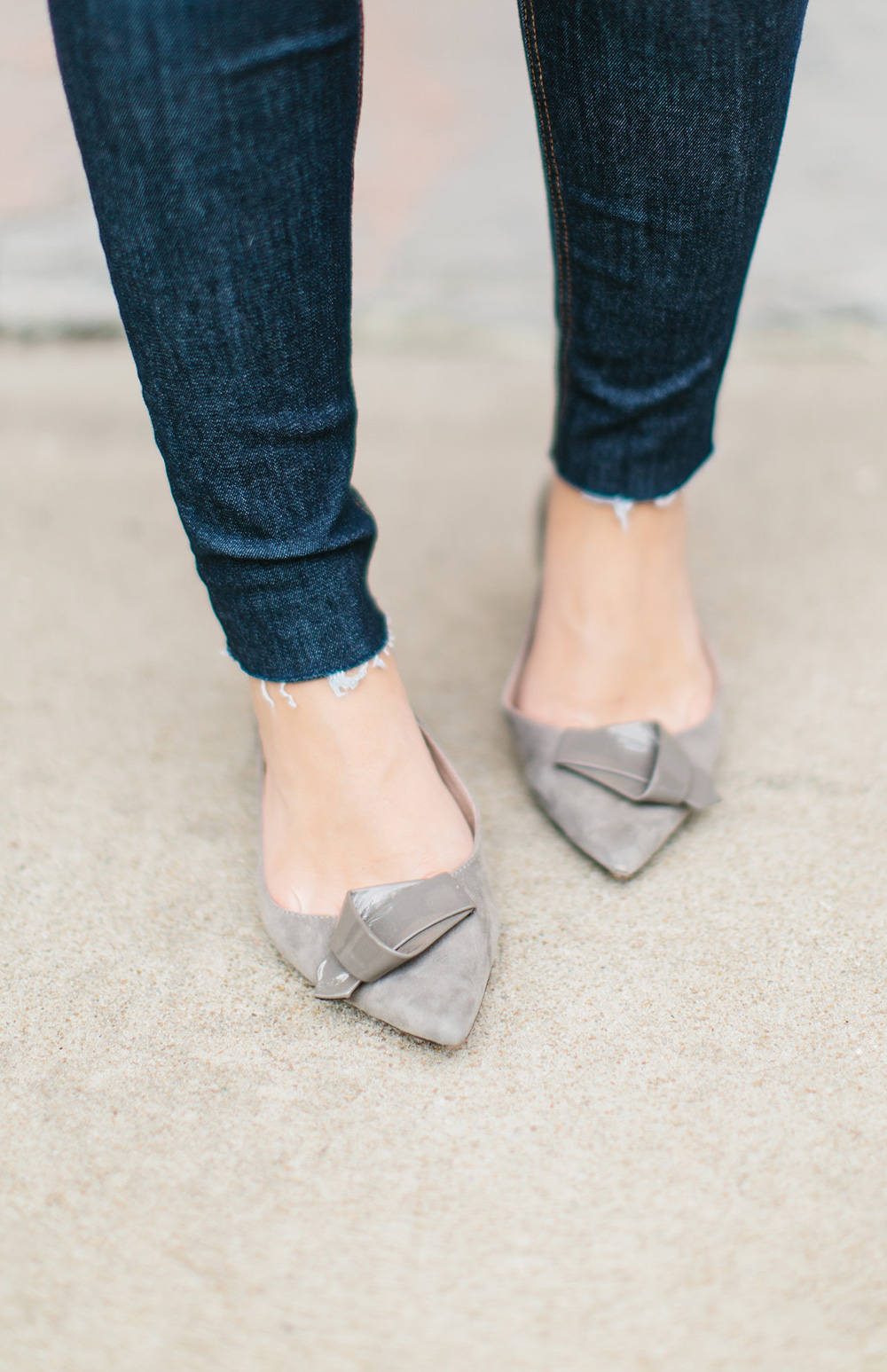 Pointed Grey Bow Flats