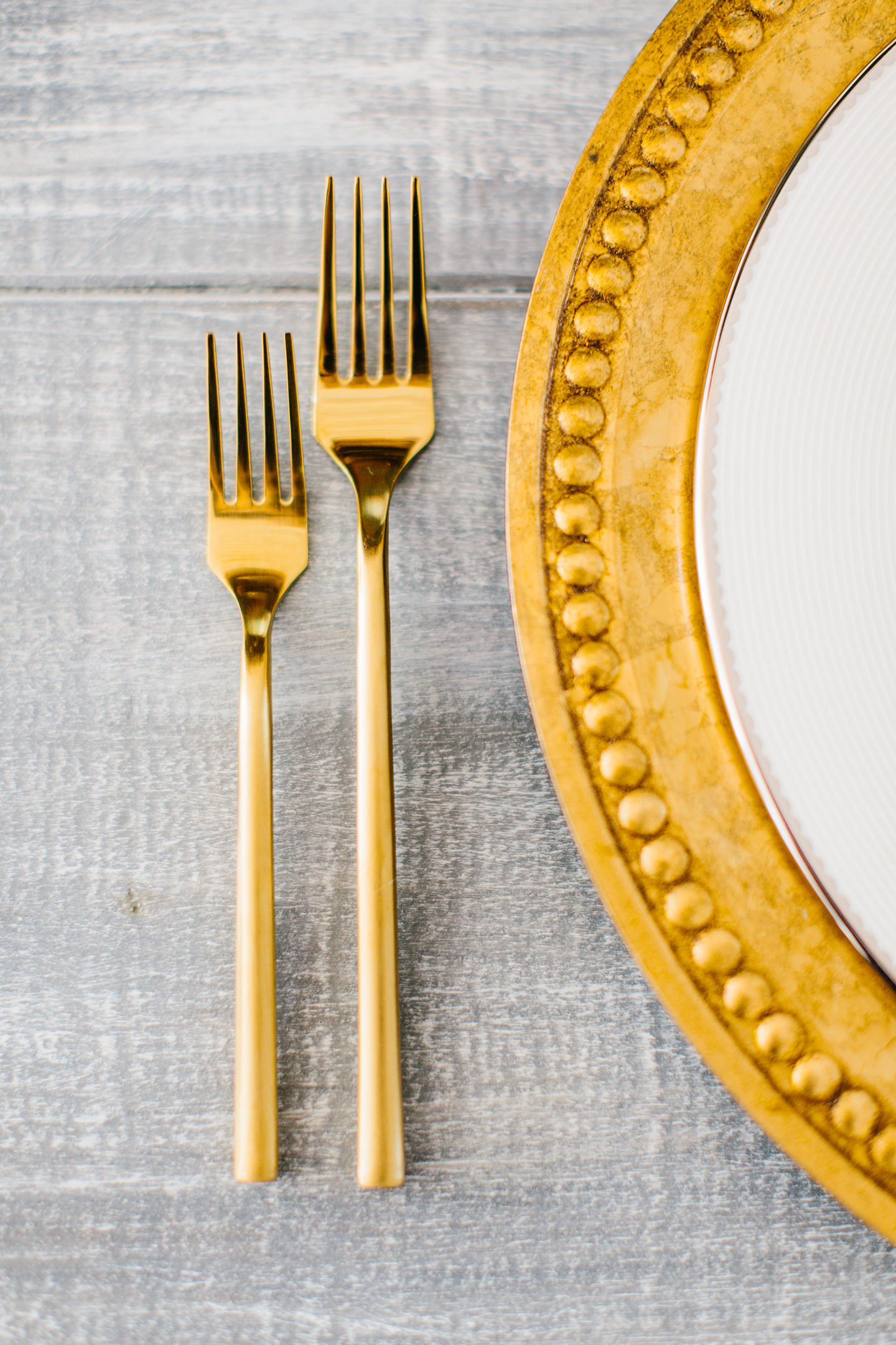 Holiday Tablescape | Gold Flatware