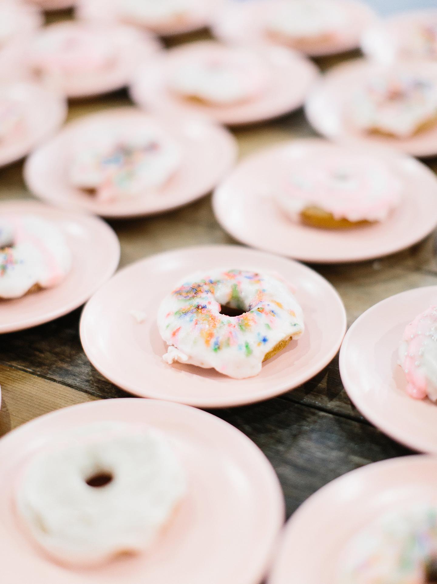 Bib.On Donuts