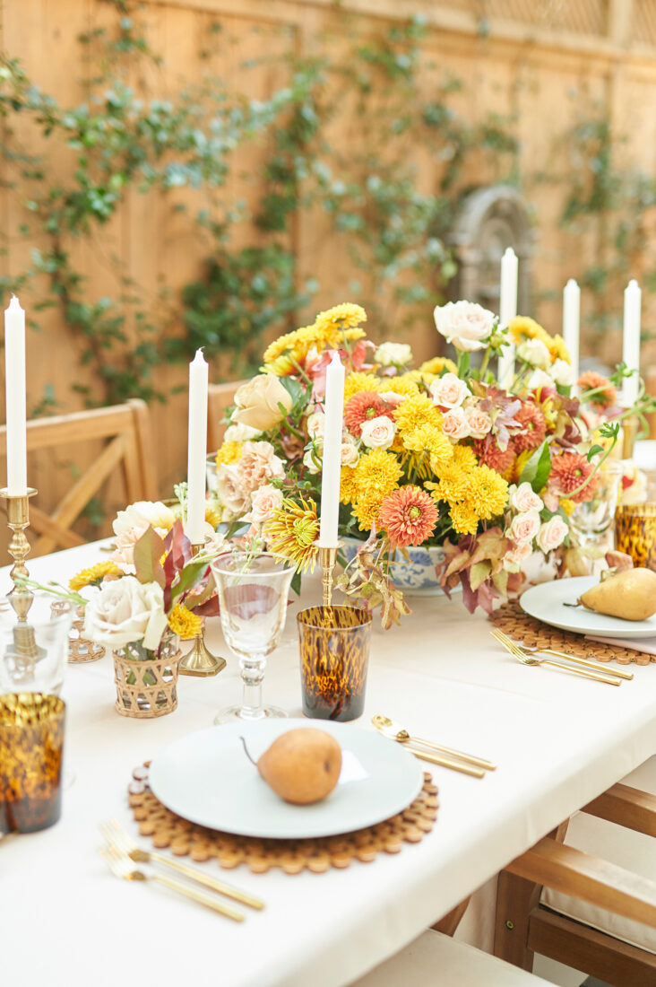 Outdoor Friendsgiving with an Elegant, Neutral Color Palette + Fall Florals