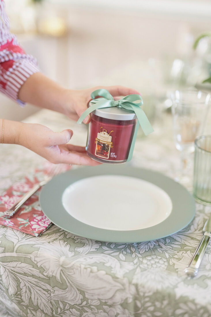 Small Gathering Ideas for the Holidays and How to Make Your Guests Feel Special