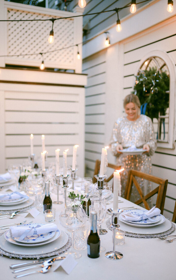 NYE Tablescape | Blue, White & Silver Place Settings